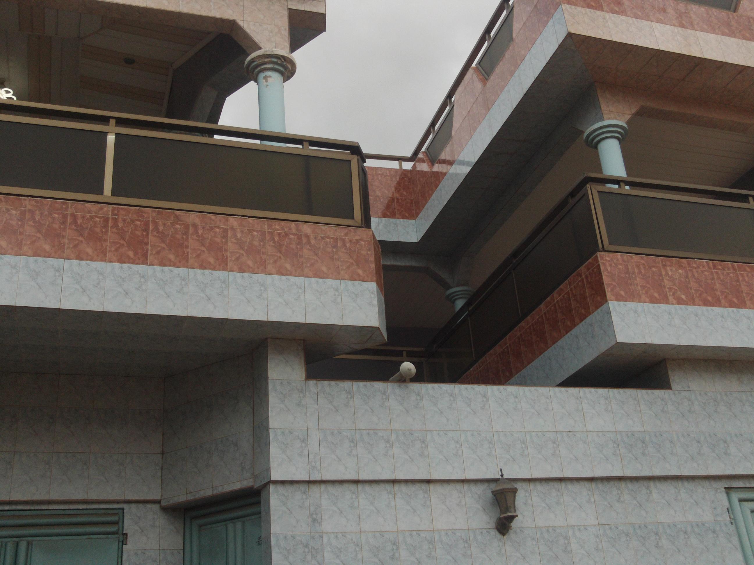 Maison a louer a adidogome pour cout moyen et long terme for Cout moyen renovation maison